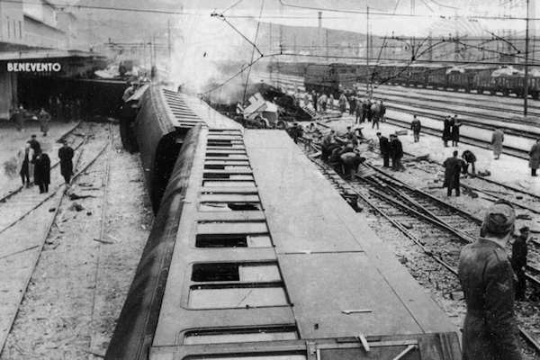 19530215-incidente-ferroviario-benevento